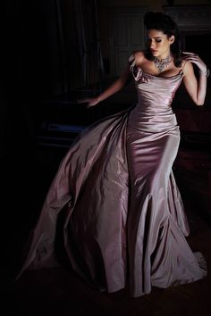 Opera gown...OMG LOVE THE COLORS IN THE TAFFETA!