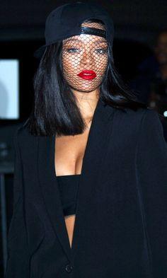 Rihanna at Givenchy Fashion Show, Paris. Estilo Rihanna, Mode Rihanna, Rihanna Riri, Rihanna Style, Beyonce, Rihanna Fashion, Paris Fashion, Rihanna Outfits, Rihanna Costume
