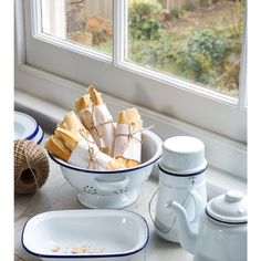Cabbages & Roses is a vintage inspired British brand, creating beautiful yet functional Fashion, Accessories, Homeware & Fabric. Enamel Dishes, Enamel Ware, Big Kitchen, Kitchen Decor, Falcon Enamelware, Camping Dishes, Vegan Cafe, Kitchenware, Tableware