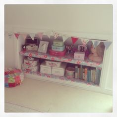 Bellas room - Eaves storage