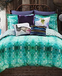 Tracy Porter® Poetic Wanderlust® Ardienne Reversible Queen Duvet Cover found at Bed Bath and Beyond! Dream Bedroom, Home Bedroom, Bedroom Decor, Master Bedroom, King Duvet Cover Sets, Duvet Covers, Deco Turquoise, Purple Bedding, Colorful Bedding
