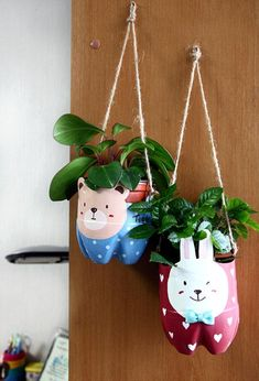 We found some great ideas on how to recycle your old plastic trash into something unique. Take a look at our collection of DIY Creative Recycled Plastic Crafts That You Will Have to See Plastic Bottle Design, Plastic Bottle Planter, Reuse Plastic Bottles, Recycled Bottles, Water Bottle Crafts, Plastic Bottle Crafts, Diy Bottle, Kids Crafts, Diy Arts And Crafts