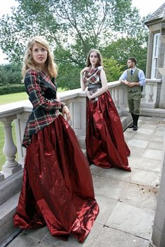 Would look better if the skirt wasn't shiny. Scottish maid of honor dresses Tartan Clothing, Scottish Clothing, Scottish Fashion, Women's Clothing, Tartan Dress, Tartan Plaid, Tartan Wedding Dress, Mode Tartan, Tulle Skirt Wedding Dress