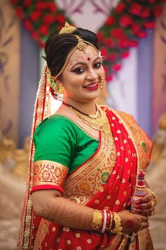 CamYogi suggests you how to choose the best wedding photo album. Wedding Photo Albums, Wedding Album, Wedding Photos, Bengali Bride, Bengali Wedding, Bengali Bridal Makeup, Indian Bridal, Photography Couples, Indian Wedding Photography