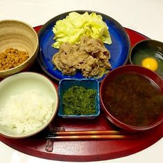 Stir-Fried Pork with Ginger and Soy Sauce, Holdfast and Natto with Egg, Sea Lettuce Miso Soup, Rice - 31件のもぐもぐ - 2015/02/18 お夕飯生姜焼きとキャベツ、卵かけめかぶ納豆、あおさ海苔のお味噌汁、ごはん by kayorina