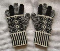 ◆◇北欧模様の編み込み手袋◇◆(チャコールグレー)の画像1枚目