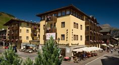 Hotel Touring Livigno Hotel Touring is located in Livigno's pedestrian area, 50 metres from the Mottolino ski lifts and ski schools. It offers a pizzeria and restaurant serving Lombardy specialities.  The Touring Hotel offers spacious rooms with balconies.