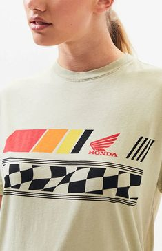 Take on any adventure in the comfy Honda Air Filter T-Shirt. This tee features short sleeves, crew neckline, and Honda graphic at the chest. Design Kaos, Tee Design, Bike Shirts, Spirit Wear, Vintage Tees, Printed Shirts, Casual Wear, Shirt Print, T Shirt