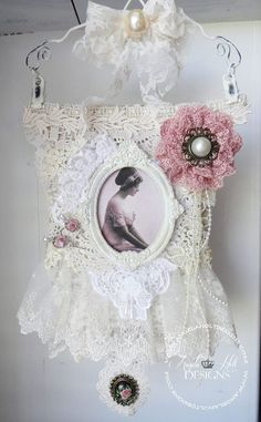 Shabby Chic Wall Hanging with tutorial: https://www.youtube.com/watch?v=ygrdpodE2Ig