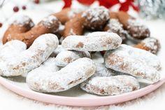 recept na nutelové rožky - KAMzaKRASOU.sk Sausage, Cookies, Meat, Desserts, Food, Crack Crackers, Tailgate Desserts, Deserts, Eten