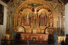 Altar lateral de la iglesia de San Francisco de Quito.