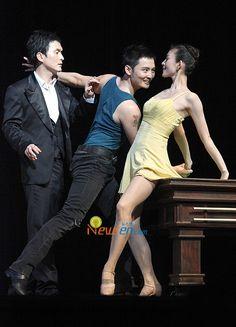 Jang Hyun Sung (장현성) and Kim Joo Won (김주원) in the Korean production of the musical 'Contact'