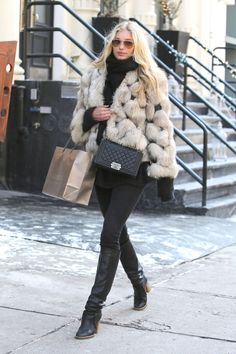 "runwayandbeauty: ""Elsa Hosk - Out and about in New York City, February "" New York Winter Fashion, Nyc Fashion, Autumn Winter Fashion, New York Winter Outfit, Street Fashion, Fall Fashion, New York Outfits, Elsa Hosk, Winter Looks"