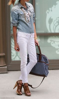 Chambray oxford paired with white skinny jeans, brown high heel sandals, white bubble necklace and blue tote.