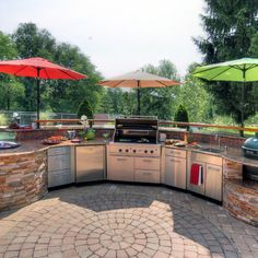 Custom outdoor kitchen with Firemagic gas grill and Big