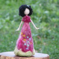 Needle felted Waldorf inspired doll Spring flower fairy home Nuno Felting, Needle Felting, Felt Angel, Felt Fairy, Flower Fairies, Doll Patterns, Henna Patterns, Hand Embroidery Designs, Fairy Dolls