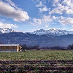 65km de vélo ça use !  Heureusement il y a de belles choses à voir sur la route entre Grenoble et Chambery :) by chris_voyage #travel