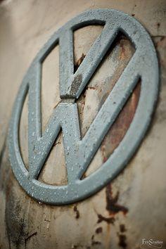 Love my volkswagen! Transporteur Volkswagen, Bus Vw, Vw T1, Honda Shadow, Combi Vw T2, Vw Caravan, Combi Split, Vw Logo, Vw Camping