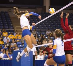 Volleyball wins home opener against Eastern Washington #SpartanSports