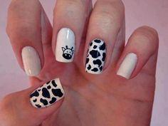 Cow nails - bahahaha my boss would soooo do this for cow appreciation day! Fancy Nails, Pretty Nails, Country Girl Nails, Cow Nails, Giraffe Nails, Nagellack Design, Girls Nails, Simple Nail Designs, Creative Nails