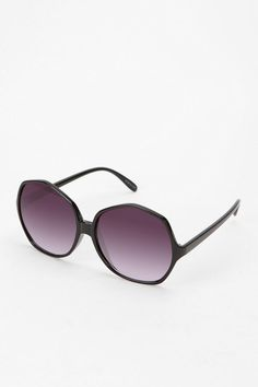 UO Dolly Sunglasses  #UrbanOutfitters