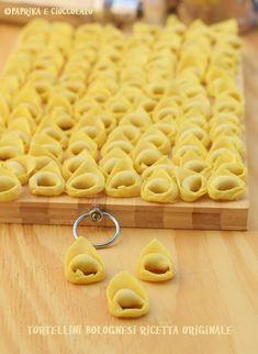 Italian Desserts, Italian Recipes, Make Your Own Pasta, Pasta Casera, Gnocchi, Fresh Pasta, World Recipes, Stuffed Hot Peppers, Bologna