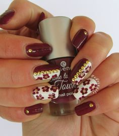 Nail art floreale ispirata a Christabell Nails - photo © Pedrìnails