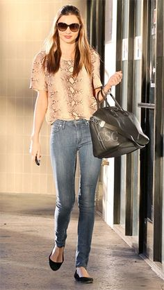 Miranda Kerr Style and Fashion - Celebrity Style Guide Love Fashion, Fashion Models, Fashion Styles, Daily Fashion, Fashion Tips, Celebrity Style Guide, Celebrity Outfits, Celebrity News, Miranda Kerr Style