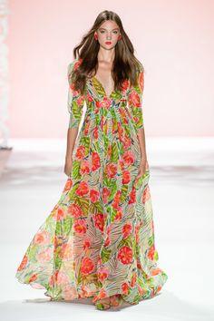 Fashion 2020, Runway Fashion, Fashion Show, Fashion Design, Women's Fashion, Fashion Trends, Summer Fashion Outfits, Spring Fashion, Fashion Dresses