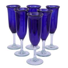 I pinned this Novica Javier & Efren Champagne Glass (Set of from the Jewel Tones event at Joss and Main! Cobalt Glass, Cobalt Blue, Blue And White Dinnerware, Blue Dishes, Blue And White China, Cocktail Glass, Champagne Glasses, Blue Christmas, Jewel Tones
