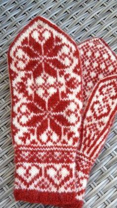 - Lilly is Love Double Knitting Patterns, Knitted Mittens Pattern, Knit Mittens, Knitted Gloves, Knitting Designs, Knitting Projects, Knitting Ideas, Fair Isle Knitting, Lace Knitting