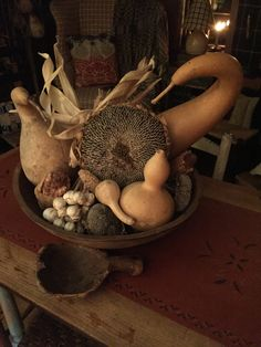 Dried Sunflowers, Warm Browns, Primitive Fall, Autumn Decorating, Falling Leaves, Happy Fall Y'all, Autumnal, Gourds, Vignettes