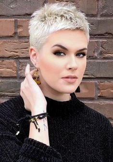Trending Hairstyles 2019 – Short Pixie Hairstyles - EveSteps Pixie hairstyles are modern hairstyles and many women no matter what their age are keeping their hair short. Short hair is not enough for any woman, Short Grey Hair, Very Short Hair, Short Hair Cuts, Short Hair Styles, Pixie Cuts, Super Short Pixie, Short Pixie Haircuts, Pixie Hairstyles, Short Hairstyles For Women