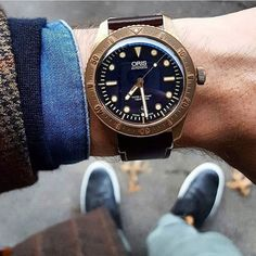 @andygreenlive is playing the Game of Tones with blues and browns - it's the last day he gets to wear the @oriswatch Carl Brashear before we take it back and - most likely - give it away to an Aussie survey filler inner. There may be a fistfight brew