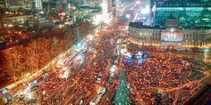 헤드라인 뉴스 이미지 : 1.5 MILLION SEOUL PEOPLES UPRISING & MARCHING WITH CANDLE LIGHTS PEACEFULLY !