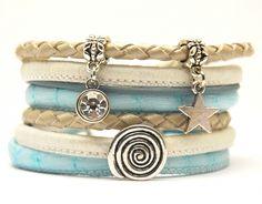 Wikkelarmband dames lichtblauw met bedels