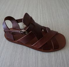 Men handmade sandals in Vegetable tanned Leather Mario Doni, Man Sandal in leather hand made, customized, colored, made in Italy Tan Leather, Leather Sandals, Men Sandals, Shoes For School, Boys Dress Shoes, Piel Natural, Shoe Pattern, Mens Slippers, Kinds Of Shoes