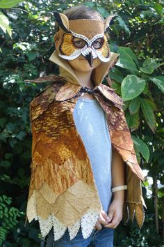 Handmade owl costume perfect for a unique Halloween costume or just a fun day of pretend play. Works for a either a girl or boy. Fabric cape