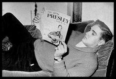 : Elvis Presley November, 1958 at Hotel Grunewald, Bad Nauheim Elvis Presley Live, Elvis Presley Family, Elvis And Priscilla, Lisa Marie Presley, Priscilla Presley, Rock And Roll Songs, Rock N Roll, Stars Du Rock, Young Elvis