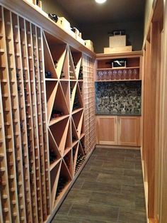 Wine cave for a narrow spot