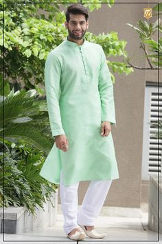 Discover recipes, home ideas, style inspiration and other ideas to try. Wedding Kurta For Men, Wedding Dress Men, Wedding Suits, Kurta Pajama Men, Kurta Men, Short Kurta For Men, Indian Groom Dress, Mens Shalwar Kameez, Men Dress Up