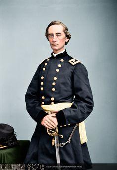 Major General Schuyler Hamilton (USV) Schuyler Hamilton was born on 22 July 1822 in New York City. Us History, American History, Civil War Characters, Civil War Art, Union Army, Civil Wars, Major General, Nasa Space, Confederate Flag