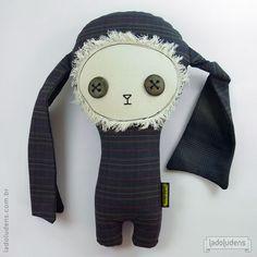 Álvaro, Toy art by Ladoludens (Mateus Andrade & Alessandra Marques).