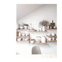 "ta chwila, kiedy człek zmieni ""view""😉 #kitchen #kitchenstories #ceramics #white #vintage #plants #wood #table #chair #home #pumpkin #details #inspiration #midcentury #string #shelfie #scandinaviandesign #slowlife #scandinavianliving #hjem #interiordesign"