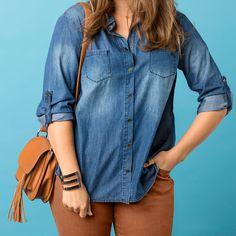 Diese Jeansbluse für Frauen mit Kurven passt besonders gut zu farbigen Hosen #ullapopken #denim #plussize #denimware #style #jeansbluse #plussizestyle