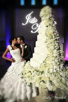 121 best TALL WEDDING CAKES images on Pinterest   Cake wedding     Wow   haha This isn t how I visualize my wedding but there s