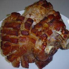 Egy finom Csülök sok fokhagymával, sütőzacskóban sütve ebédre vagy vacsorára? Csülök sok fokhagymával, sütőzacskóban sütve Receptek a Mindmegette.hu Recept gyűjteményében! Meat Recipes, Cooking Recipes, Hungarian Recipes, Jamie Oliver, Food 52, Waffles, Bacon, Pork, Beef
