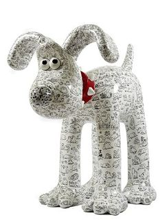 Simon's Cat - Want to own 'Doodles'? A giant Gromit with Simon's cat doodles? Paper Mache Projects, Paper Mache Clay, Paper Mache Sculpture, Paper Mache Crafts, Dog Sculpture, Animal Sculptures, Art Projects, Paper Mache Animals, Clay Animals