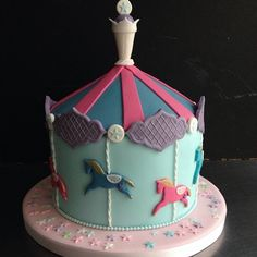 Sugarplumcake carrousel cakedesign