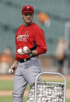 St. Louis Cardinals manager Mike Matheny throws batting practice before Game 6 of baseball's National League championship series against the San Francisco Giants Sunday, Oct. 21, 2012, in San Francisco. (AP Photo/Ben Margot)